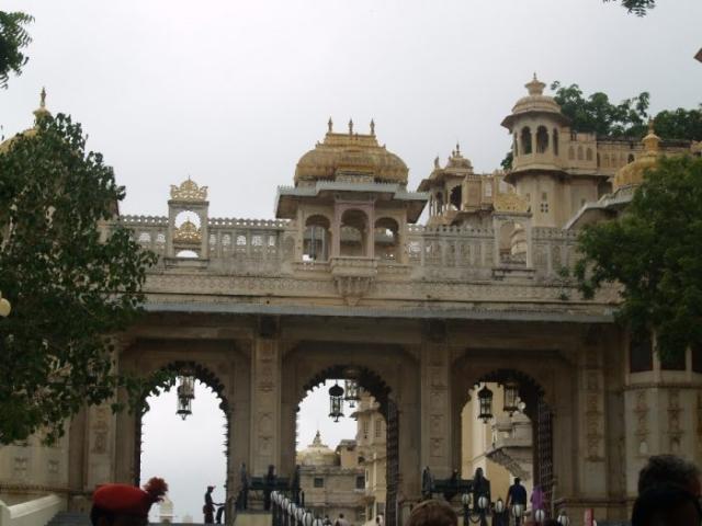 Zwillingsratgeber p1011056-700x525-640x480 Erste Tour nach Udaipur und Pushkar