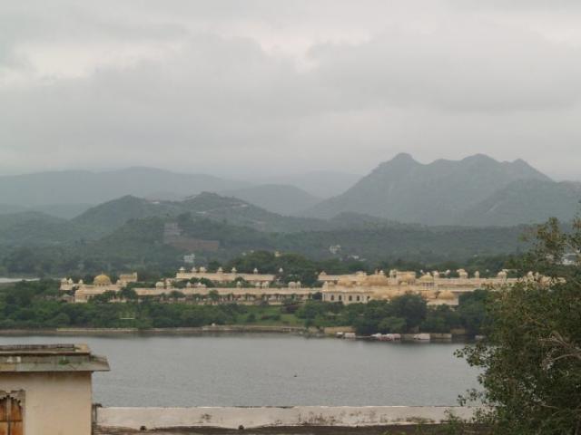 Zwillingsratgeber p1011132-700x525-640x480 Erste Tour nach Udaipur und Pushkar