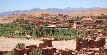 Zwillingsratgeber marokko-wueste-375x195 Fliegen mit Baby – So klappt es ohne Probleme