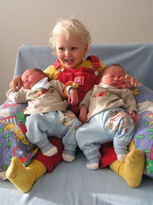 Zwillingsratgeber zwillinge-mit-schwester Im Interview: Stillberaterin zum Thema Stillen von Zwillingen