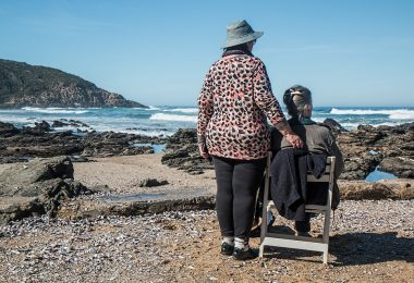 Zwillingsratgeber women-friends-1577910_960_720-380x260 Demenz oder die Angst vor dem Älterwerden – jeder Augenblick hat Wert