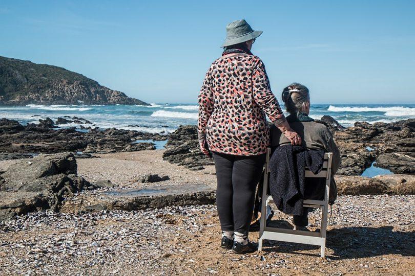 Zwillingsratgeber women-friends-1577910_960_720-810x540 Demenz oder die Angst vor dem Älterwerden – jeder Augenblick hat Wert