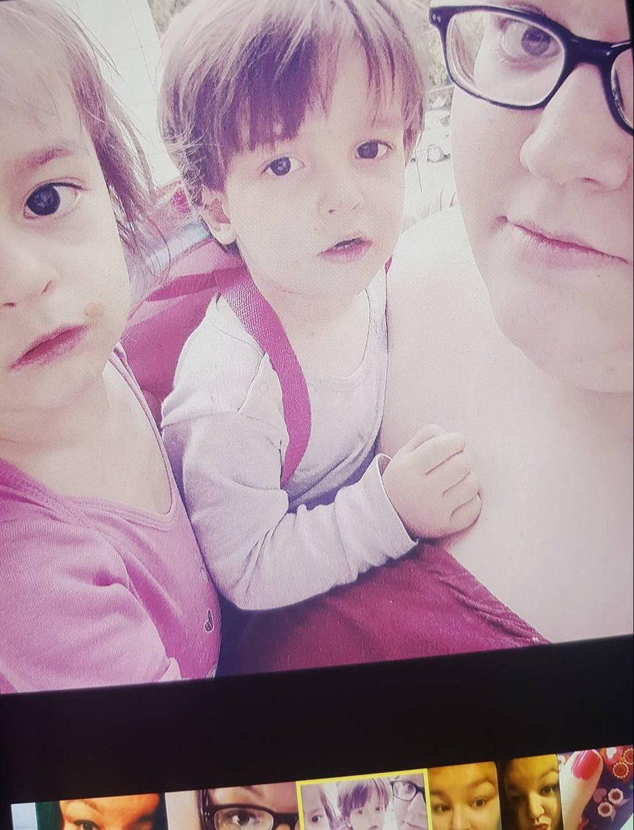 Zwillingsratgeber sarah-mit-zwillingen-e1543305502242 Interview mit der alleinerziehenden Zwillingsoma Britta