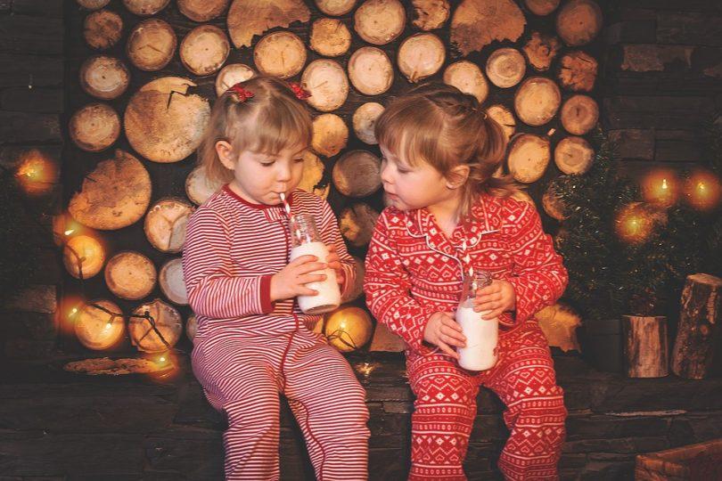 Zwillingsratgeber milch-trinken-kids-810x540 Anzeige: HIPP Combiotik Kindermilch anstelle von Kuhmilch – Gute Gründe für HIPP