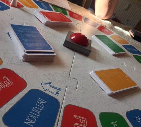 Zwillingsratgeber knoW-Quizspiel-Ravensburger-480x433 Gesellschaftsspiele für Teenager und Erwachsene – unsere Top 3