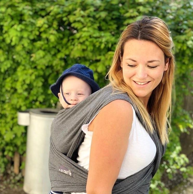 Zwillingsratgeber baby-tragen-1 Zwei mal zwei ist sechs – Interview mit Doppelzwillingsmama Nici