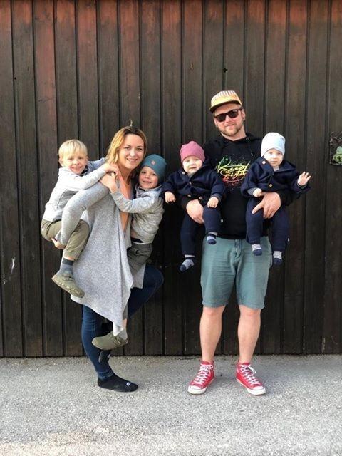 Zwillingsratgeber kinder-tragen Zwei mal zwei ist sechs – Interview mit Doppelzwillingsmama Nici