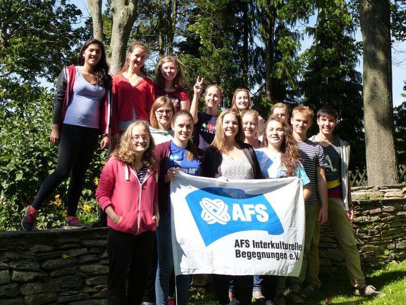 Zwillingsratgeber Gruppenfoto-AFS-Nachbereitung Was gibt es bei der Planung und Vorbereitung eines Auslandsjahres alles zu beachten?