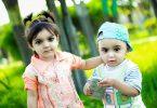 Zwillingsratgeber kind-spielt-handy-145x100 Emily's Bilder & Töne – Die Lernspiel-App