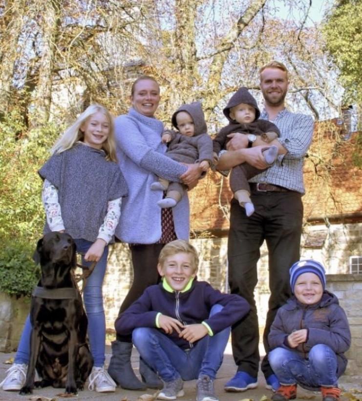 Zwillingsratgeber alexandra-echtkind-komplett-1 Interview: Zwillingsmama Alexandra von extrakind über ihre Großfamilie