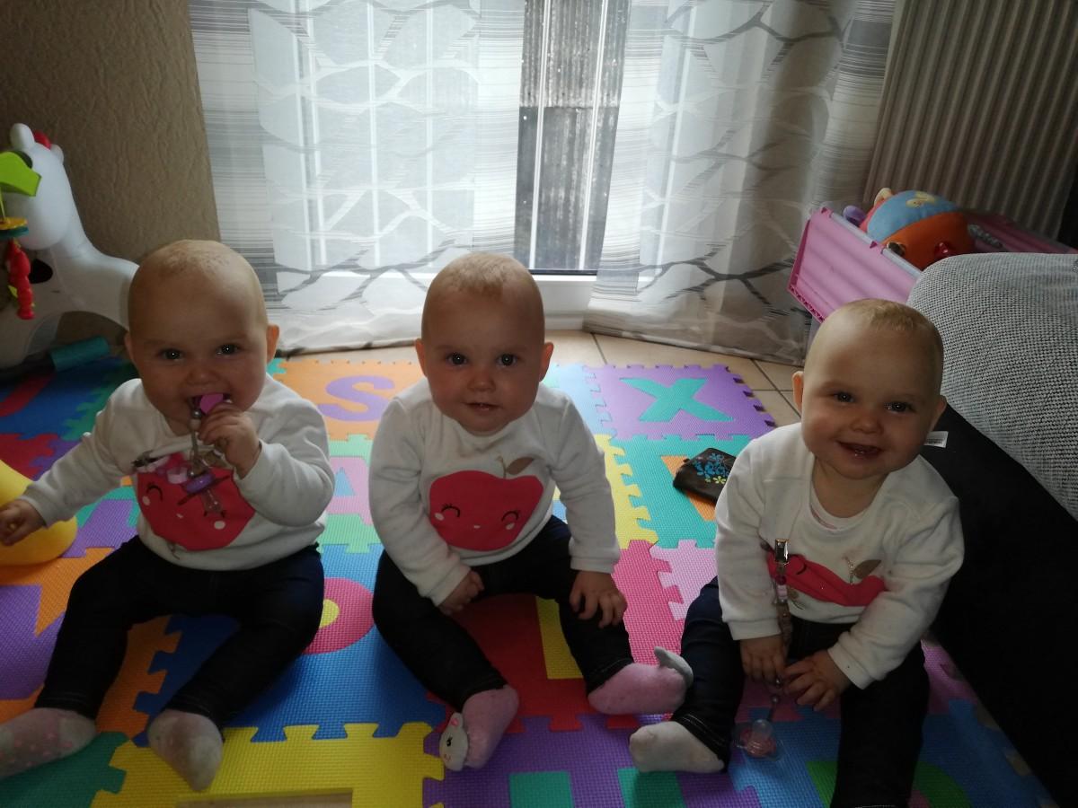 Zwillingsratgeber drillinge-baby Aus zwei werden drei – Plötzlich Drillingsmama