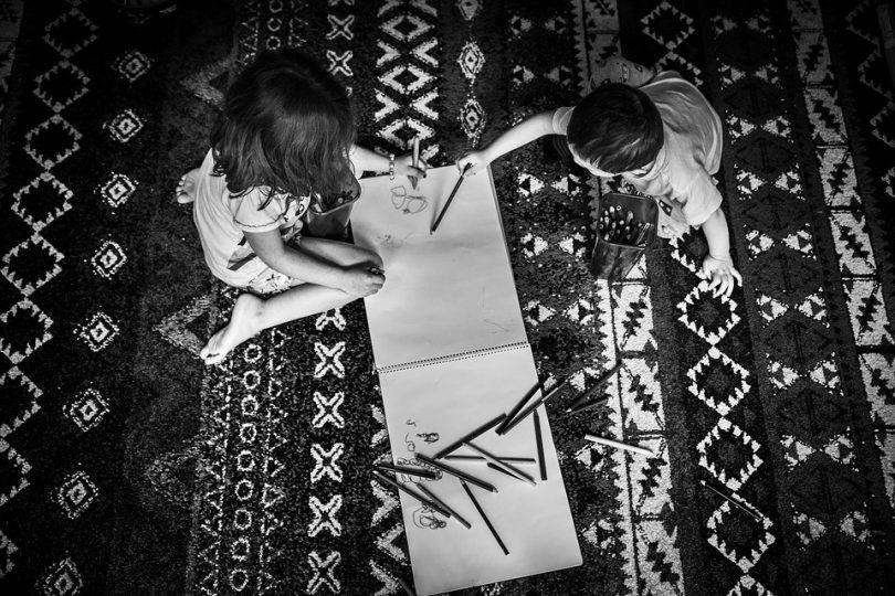 Zwillingsratgeber linkshaender-810x540 Linkshänder-Kinder im Kindergarten & Schule