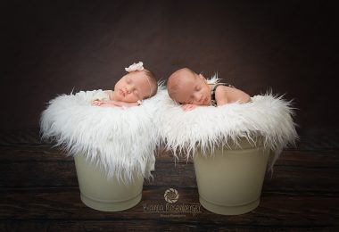 Zwillingsratgeber Bianca_Photografie_Zwillinge_Noah-und-Nora-11.jpgFB_-380x260 Tipps für die besten Zwillings- und Drillings-Babyfotos von Bianca Rosenberger