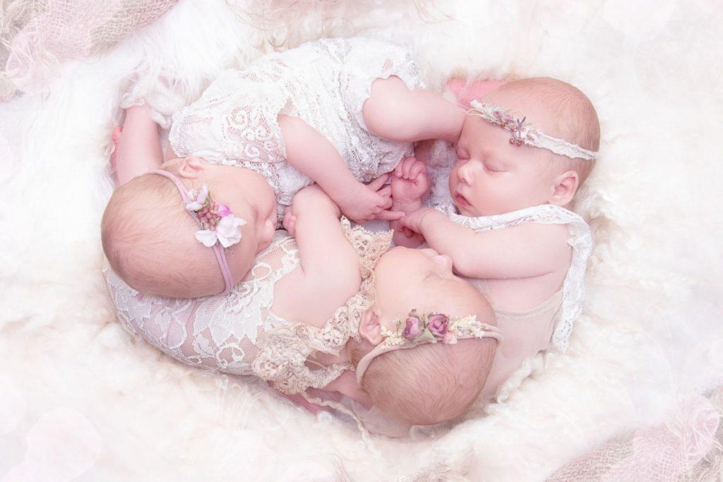 Zwillingsratgeber Bild_BR-2-1024x683 Tipps für die besten Zwillings- und Drillings-Babyfotos von Bianca Rosenberger