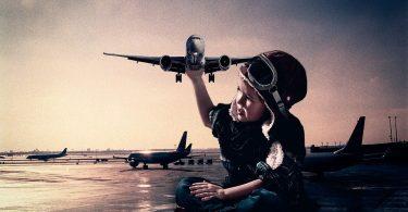 Zwillingsratgeber flug-baby-375x195 Kinderküche: Welche Spielküche ist zu empfehlen?
