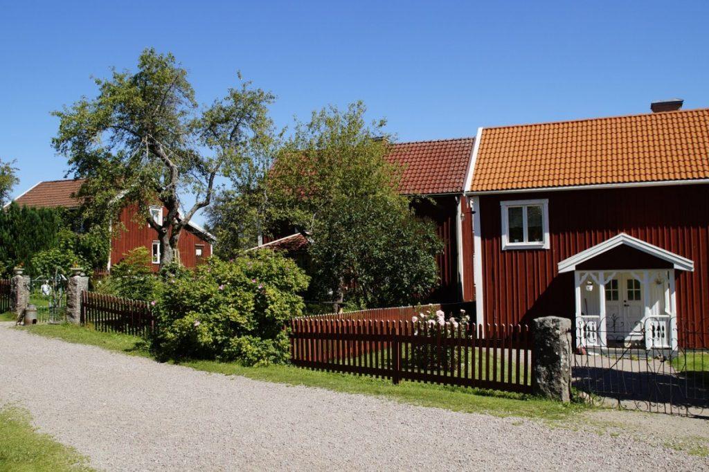 Zwillingsratgeber bullerbu-905320_1280-1024x682 Familienurlaub in Schwedens Natur zwischen Wäldern, Seen und Inseln
