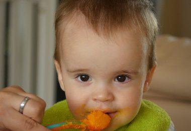 Zwillingsratgeber baby-essen-bumboo-booster-380x260 Anzeige: Bumbo booster seat - Die Sitzerhöhung für Kleinkinder