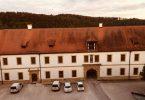 Zwillingsratgeber kloster-ensodr-aussicht-aus-zimmer-2-145x100 Auf dem Jakobsweg: Schwandorf nach Ensdorf