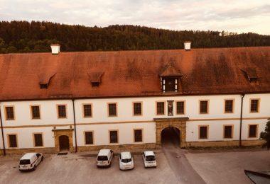 Zwillingsratgeber kloster-ensodr-aussicht-aus-zimmer-2-380x260 Auf dem Jakobsweg: Schwandorf nach Ensdorf