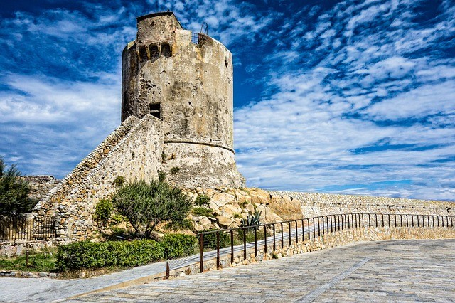 Zwillingsratgeber landscape-3845377_640 Wie kommt man auf die Insel Elba?