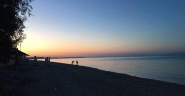 Zwillingsratgeber strand-griechenland-375x195 Griechenland Urlaub: zwischen Antike und Strand