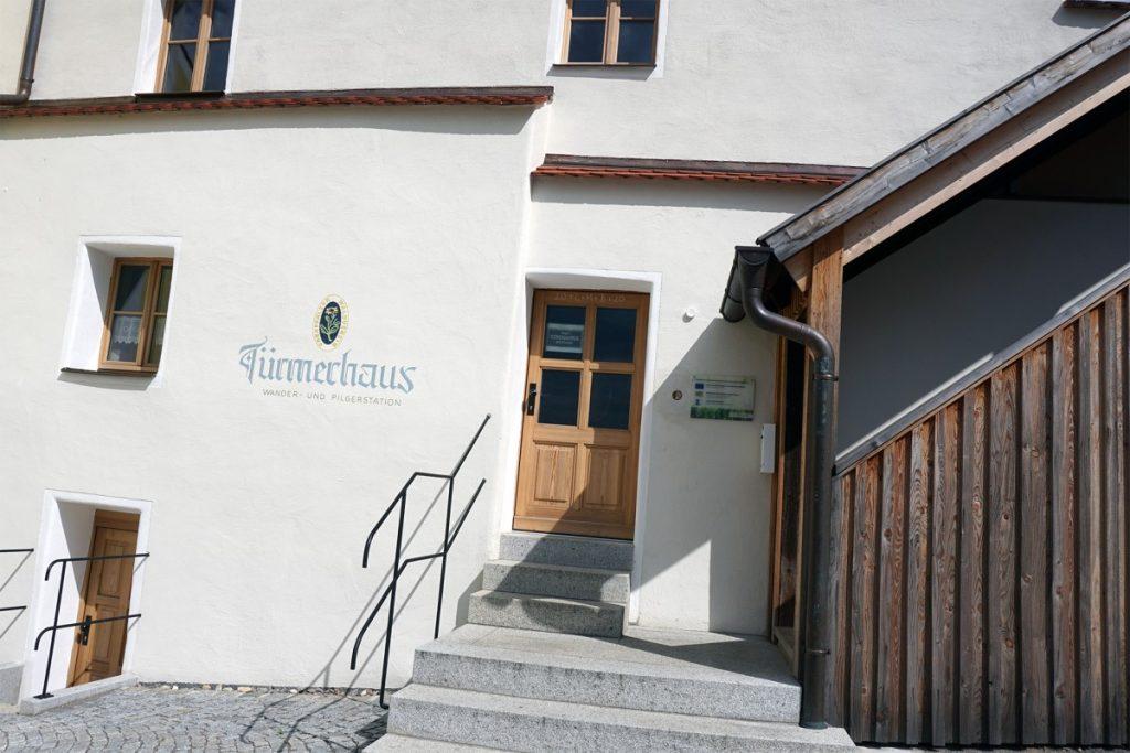 Zwillingsratgeber tuermerhaus-pilgerhaus-schwandorf-1024x683 Auf dem Jakobsweg: Schwandorf nach Ensdorf
