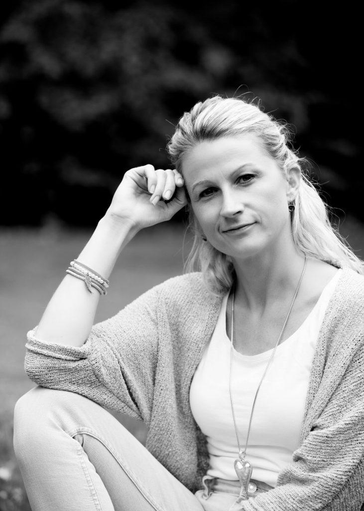 Zwillingsratgeber Sandra-sw-45-731x1024 Wenn aus Trauer - Liebe wird: Interview mit Vierfach-Mama Sandra