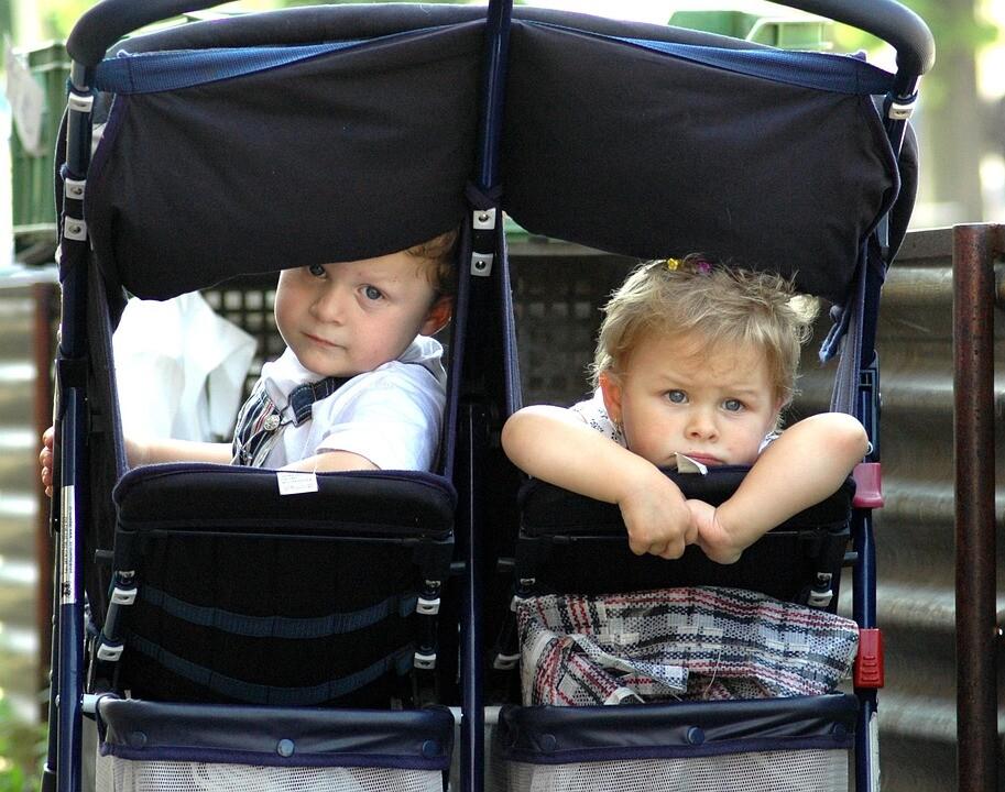 Zwillingsratgeber zwillingsbuggy Zwillingsbuggy - Worauf sollten Zwillingseltern achten?