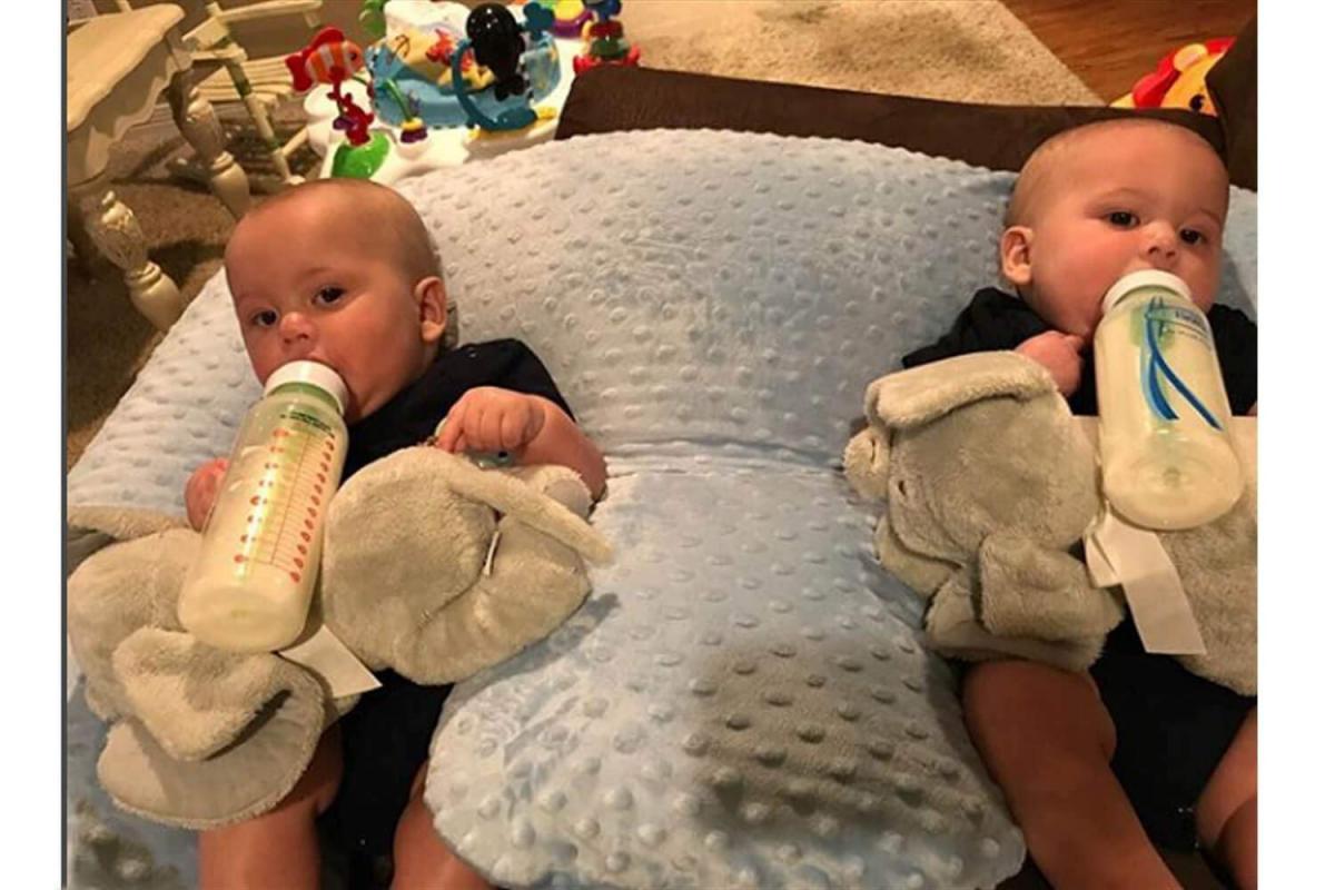 Zwillingsratgeber stillkissen-zwillinge-4 Twinki - das Zwillingsstillkissen