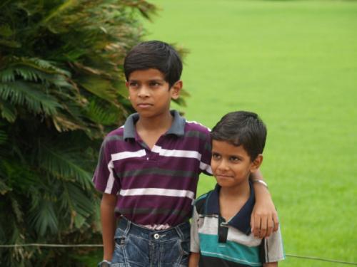 Zwillingsratgeber p1012078-640x480 Fahrt zum Taj Mahal
