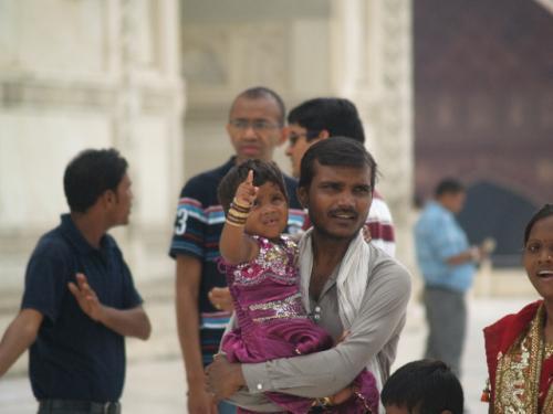 Zwillingsratgeber p1012101-640x480 Fahrt zum Taj Mahal